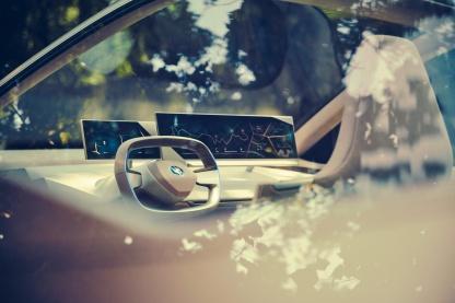 BMW-iNext-15