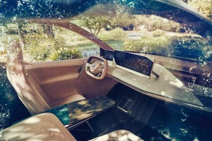 BMW-iNext-16
