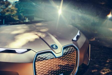BMW-iNext-8